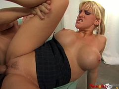 Extremely sexy babe Eve Lawrence gets drilled hard on the sofa