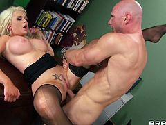 Get as load of this hardcore scene where the slutty Alexis Ford ends up with a mouthful of semen after being fucked.
