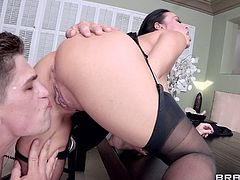 Take a look at this amazing hardcore scene where the busty milf Vanilla Deville is fucked by this stud until cumming in her mouth.
