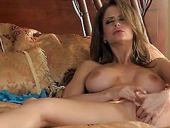 Emily Addison gives a closeup of her wet hole while masturbating with sex toy