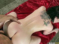 Brunette tramp Katie St. Ives lets Johnny Sins oil her tits and play with them. Then the dude pounds Katie's twat doggy style and makes the bitch lick his weiner clean.