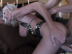 Voracious and hot light haired bitch Emma Starr gets poked