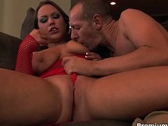 Big boobs chubby sluts Kaylee Love Cox opens her beautiful legs wide to get her nasty twat pounded, she turns on and jumps on that massive hard dick and shows us all what she can do!