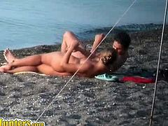 Beach Hunters brings you a hell of a free porn video where you can see how this naughty amateur spycam gets some horny naked couples having a good time in the beach.