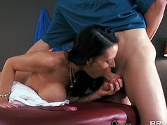 Take a look at this hardcore scene where the sexy Vanilla Deville ends up completely relaxed after being fucked by her masseuse.