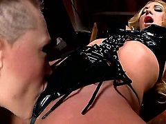 Some girls just dont like it slow and gentle. Hardcore sex addicts Amy Brooke and Kagney Linn Karter love a bit of rough. Hot fetish action as these two babes dress up in leather and get tied down.
