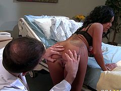 Doctor gets horny while examining busty adorable babe. he spreads her buttocks and tickles her anal hole with his playful tongue. She gives her best ever rim job. Just enjoy watching Brazzers sex scene for free.