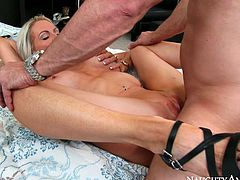 Busty cougar Emma Starr sucks Preston Parker's dick in 69 position