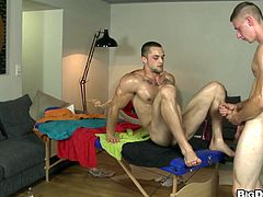 Well-stacked hunky joke gets passionate oily massage and sucks masseur's dick. Then he gets his asshole hammered mish and in a sideways pose on the table.