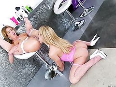 Sheena Shaw cant get enough and licks Amy Brookes over and over again