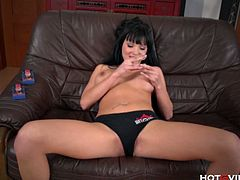 Checkout this diva Cleopatra euro babe, Emma, fingers her tight shaved pussy for a powerful orgasm. Watch this black haired seductive bitch with sexy boobies lies in bed with legs spread apart and pleases her thirsting slit with her long fingers. Enjoy!