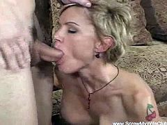 Shorthaired blonde milf swiners