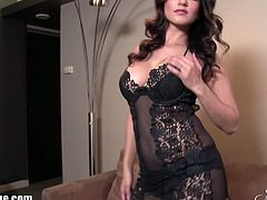 Checkout this sexy busty and round ass Indian babe Sonny Leone in this hot tease full solo.See how she strips off her black lingerie and shows her hot assets here for you!