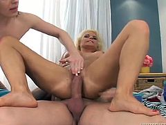 Super horny chicks with slim bodies have a threesome