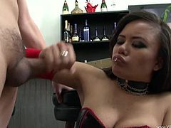 Chunky brunette skank Annie Cruz sucks small dick with pleasure