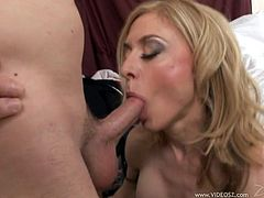 Sexy Blonde MILF Gets Her Pussy Licked And Fucked