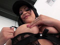 Prepare your cock for this brunette cougar, with big knockers wearing a thong, while she goes really hardcore with a crazy guy and moans stridently.