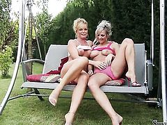 Silvia Saint licks Vendys beaver like it aint no thing in lesbian action
