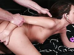 With hairless bush shows her love for ram rod sucking