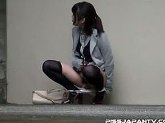 Piss Japan brings you a hell of a free porn video set where you can see how this Japanese brunette pisses on the streets while flaunting her very hot body.
