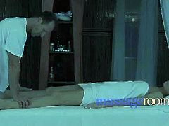 Checkout George, giving sensual and sexual massage to Samantha. First by his hand then by his dick. This guy oiled up her white body. Then she gets her back and pussy massaged and becomes excited. Watch this video and have fun.