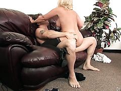 Dee Siren gets her hole attacked by hard love stick