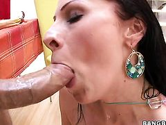 Gianna Michaels with big ass has some time to get some pleasure