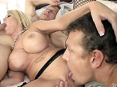 Grace Evangeline is too horny to stop sucking her mans erect schlong