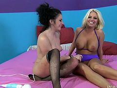 Hot lesbo chicks Britney Amber and Andy San Dimas have hot flying 69 sex