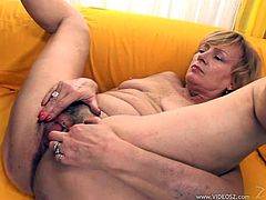 The horny amateur babe Lady enjoys two massive black cocks in this hot threesome and ends up getting her filthy face jizzed.