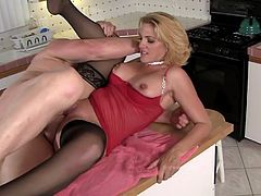 Evan Stone fucks slutty blonde Roxanne Hall