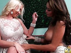 Blonde latin Daisy Marie just loves carpet munching and cant say No to lesbian Molly Cavalli