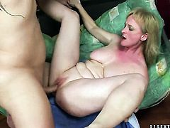 Blonde with huge melons is ready to suck guys meat pole fuck from dusk till dawn