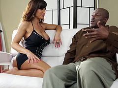 Chatting with the smoking hot milf Lisa Ann