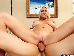 Giovanni Francesco gets pleasure from fucking Emma Starr with juicy melons