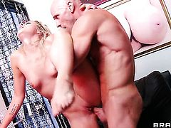 Johnny Sins makes Zoey Monroe scream and shout with his rock hard schlong in her fuck hole