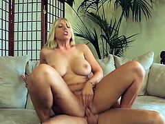 heather summers is a hot blonde