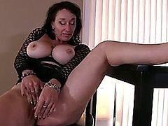 Mature first timer loves to show off her smoking hot body and big natural tits as she sinks a g-spot vibe into her creamy cunt and brings it to climax