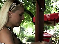 Blonde Brandy Smile fills the hole between her legs with toy for cam in solo scene