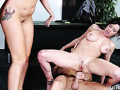 Johnny Sins uses his throbbing rod to bring With juicy bottom to the height of pleasure