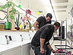 CFNM Tanya Tate creampied in fourway fun with Diamond Foxx in the laundromat