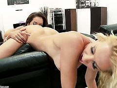 Blonde satisfies her sexual needs and desires with Daisy Marie in lesbian action