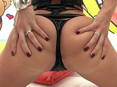 London Keyes shows her gaping asshole after giving a great blowjob
