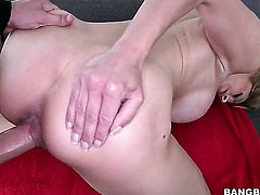 Alyssa Lynn with round butt cant resist the desire to take stiff sausage in her mouth