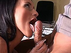 Gorgeous hot babe gives perfect blowjob