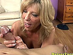 Hj loving cougar sucking hard dick and jerking hard dick on her knees