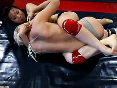 Blonde asian hoochie Brandy Smile gets her hole tongues by Tigerr Benson