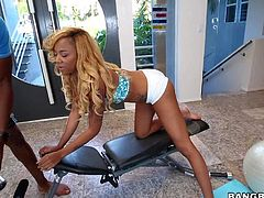 Big ass ebony gymnast Diamond Monrow is fuckable