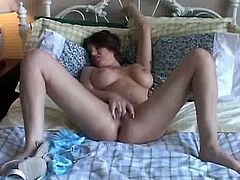 Kayla flaunting her granny pussy. Beautiful older babe with nice big tits plays with her pretty pussy for you. There is no stopping her in this naughty show for your entertainment.