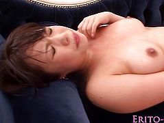 Japanese babe An Shinohara receives a facial